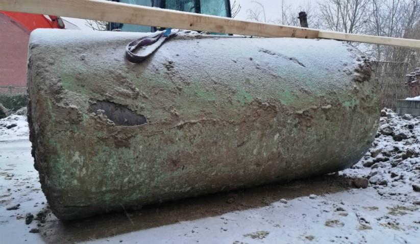 Opgravet olietank